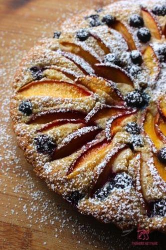 Cake met nectarines en bosbessen, patesserie.com