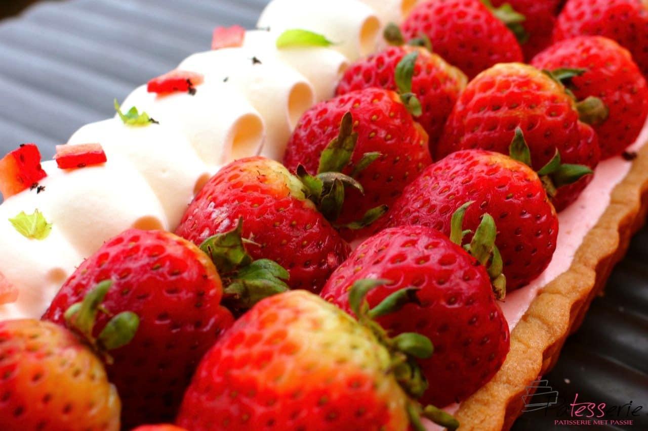 Aardbeien Bavarois taart en onze bezorgcapriolen