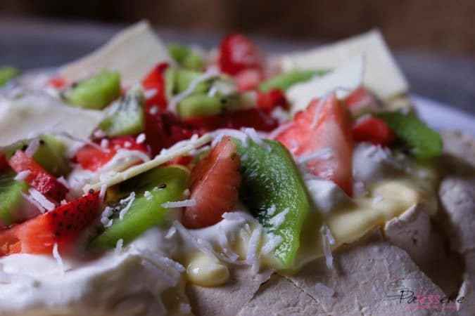 pavlova with limecurd, kiwi and strawberry, patesserie, daring kitchen