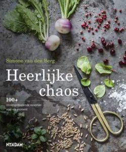 heerlijke-chaos-simone-van-den-berg-boek-cover-9789046821305