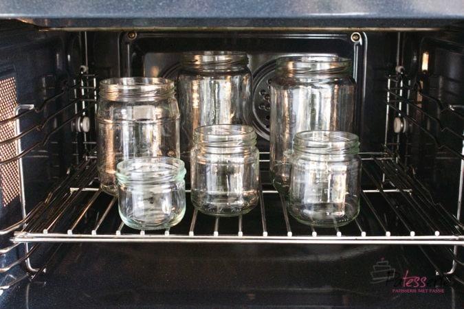 Steriliseren van potten en flessen