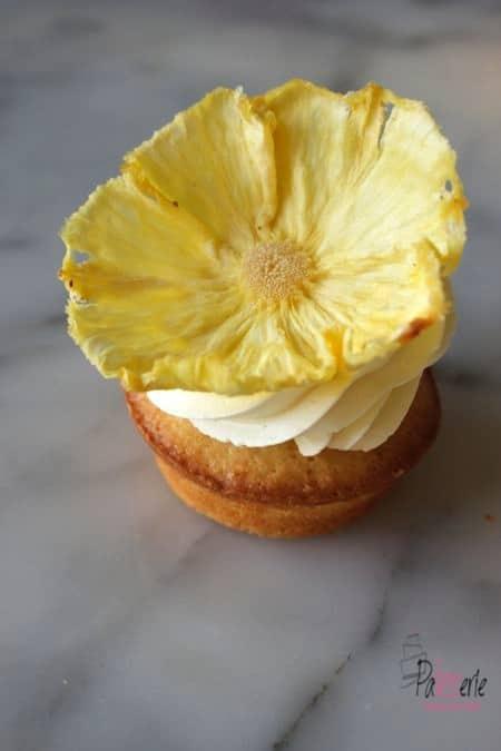 kokos cupcakes, gedroogde ananasbloemen, patesserie.com