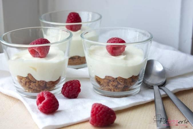 Snelle Witte chocolademousse met koffieleutjes
