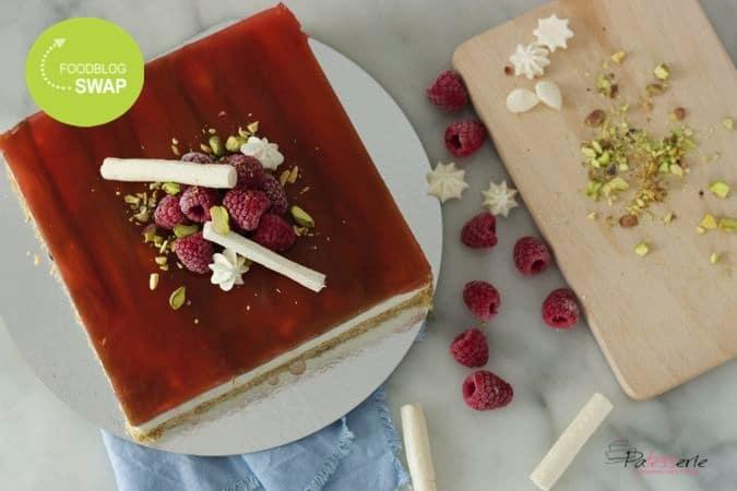 {Foodblogswap} Yoghurttaart met rabarber en framboos