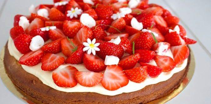 aardbeientaart met zwitserse room, patesserie.com