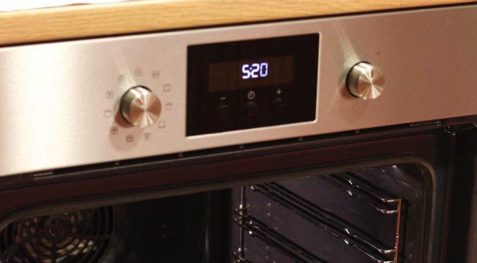 hoe maak ik de oven schoon, patesserie.com, oven schoonmaken, baktips