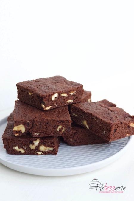 brownies met walnoten en witte chocolade, patesserie.com