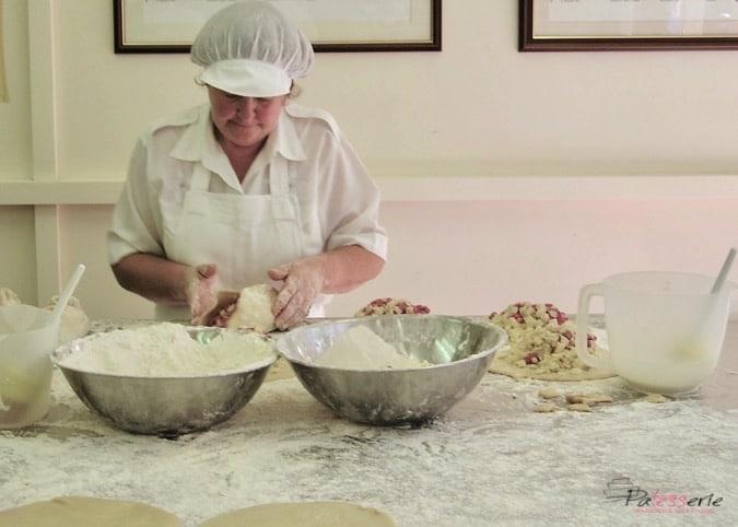 cornish pasty, pengenna pasties, patesserie.com