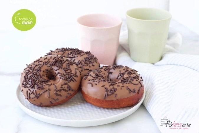 donuts met chocolade, patesserie.com