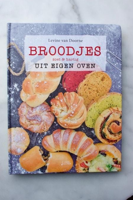 cover Broodjes uit eigen oven zoet en hartig