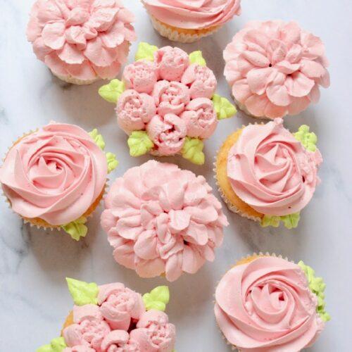bloemen cupcakes met rabarber smaak