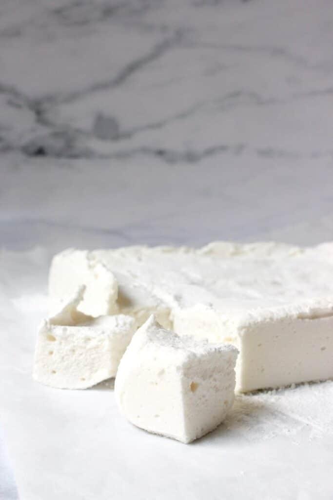 marshmallow gesneden wit