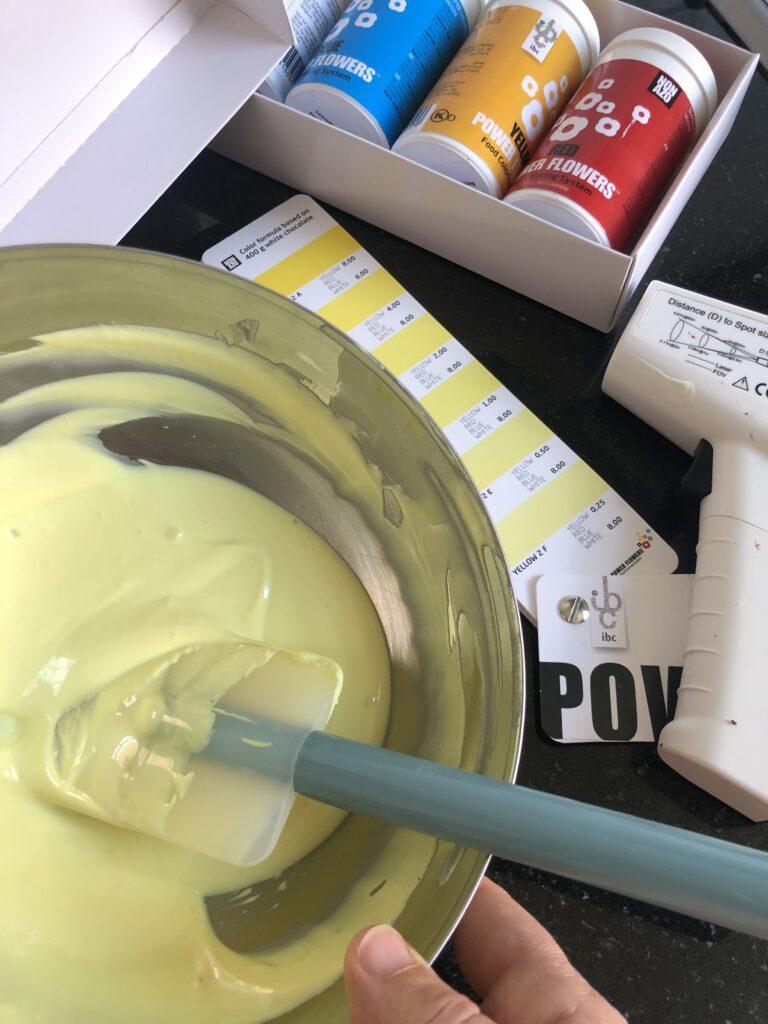 chocolade kleuren voor madeleines met een chocolade laagje